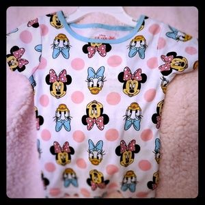 DISNEY!  MINNIE GIRLS 4T SHIRT ADORABLE!